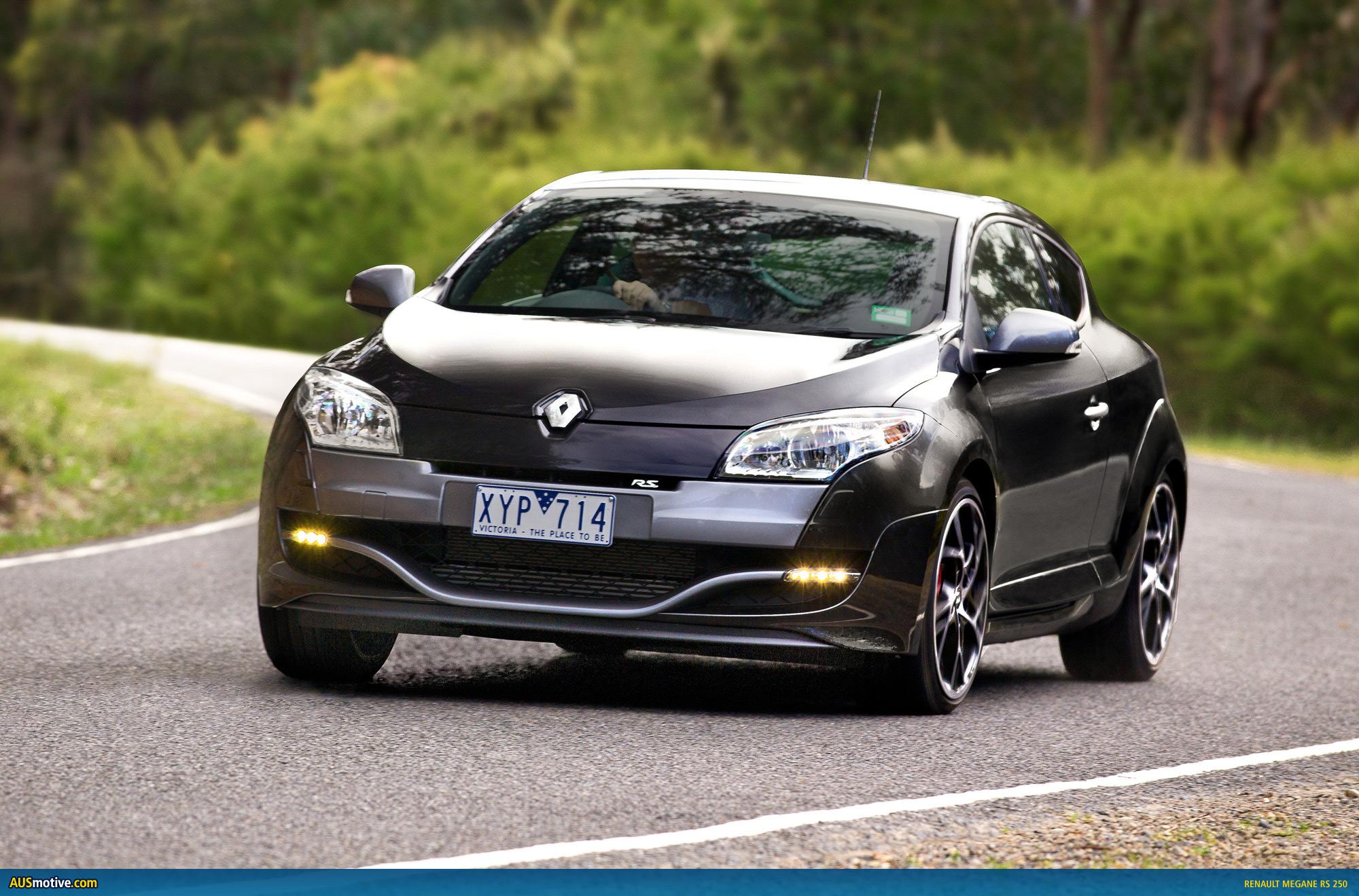 Une petite soeur pour la A.... Renault-Megane-RS250-01