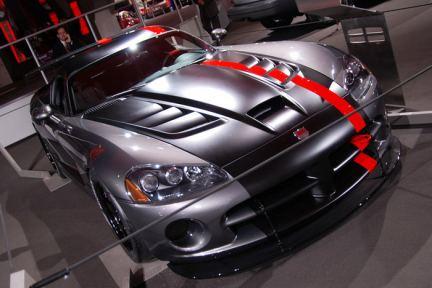 Fil rouge 2020 , il est peut être temps de commencer à y réfléchir ... Dodge-viper-srt-10-mopar-concept-coupe-2007-1-1517