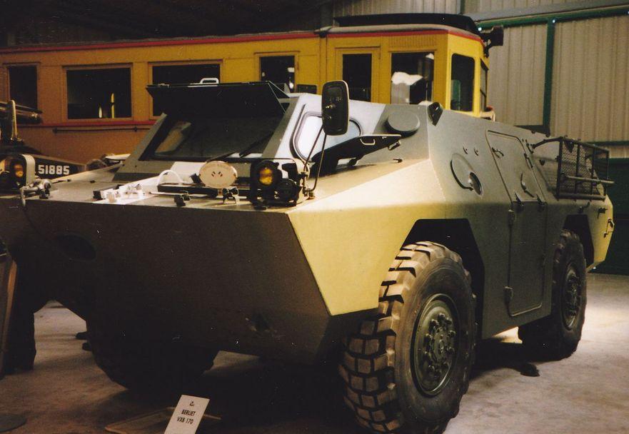 القوات المسلحة التونسية *شامل* Berliet-vxb-170-militaire-1971(france)--689