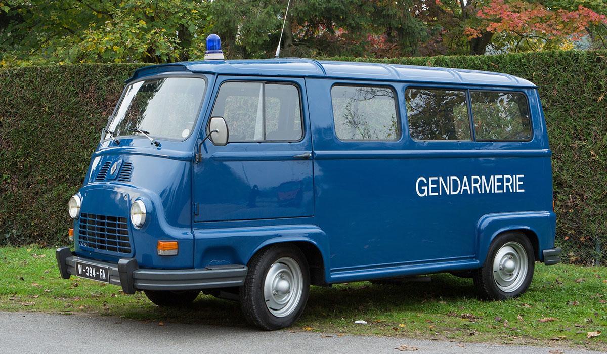 Souvenirs Renault-estafette-gendarmerie-essai
