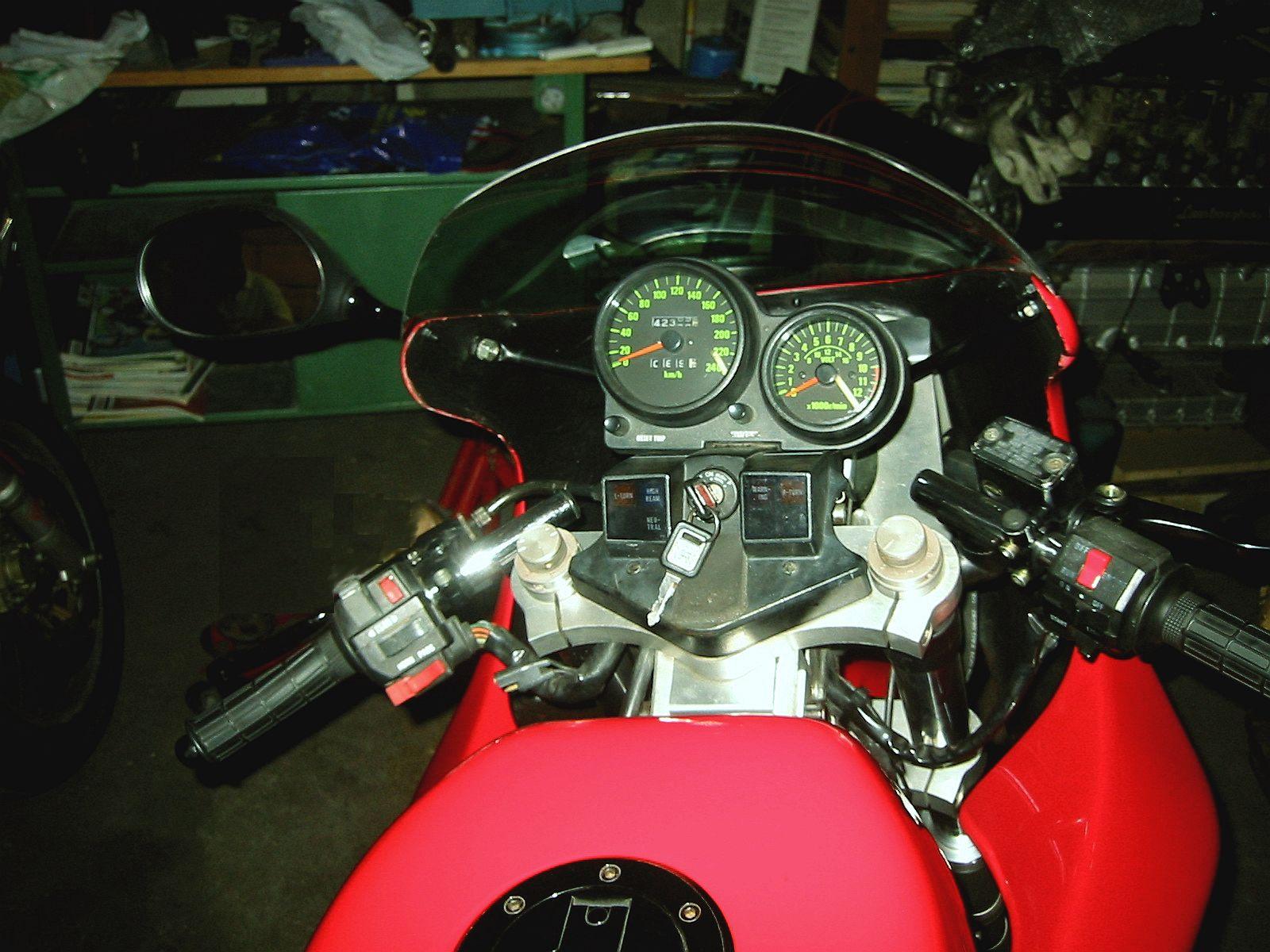 900 Ninja par Boxer Bike Boxer-lamborghini_dashboard