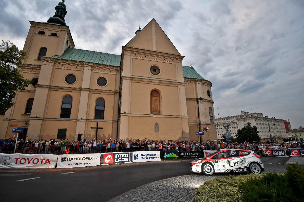 ERC - Championnat d'Europe des rallyes - Page 2 01317005_089