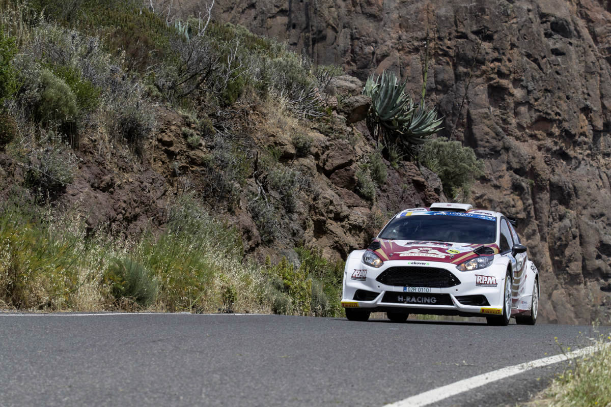 ERC - Championnat d'Europe des rallyes - Page 2 Erc-canaries-lukyanuk-vainqueur-mai-2017