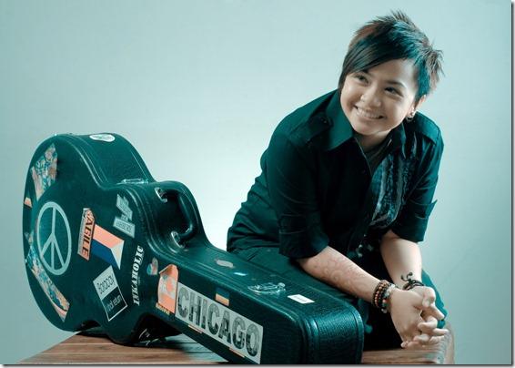 06/03/2013 - Dawn.com - Philippine pop star Charice says she's a lesbian Aiza-seguerra