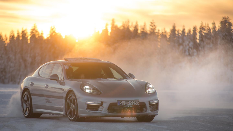 Porsche en hiver - Page 5 75d5083d-1b2e-4e3b-8133-80460d00fca7_teaser_720x406x2