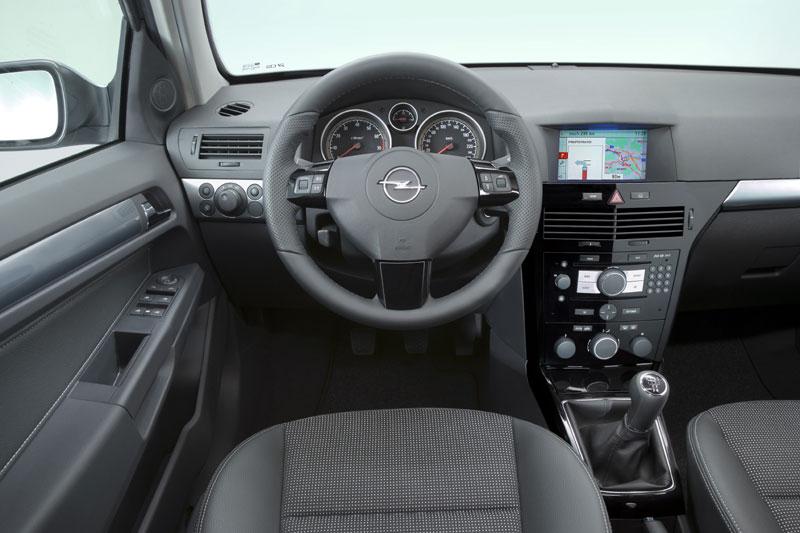 [Opel] Astra restylée D1e59d4d1560184bb6c110fd841bd513