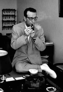 Najbolji krimići Georges_Simenon_1963_without_hat_by_Erling_Mandelmann