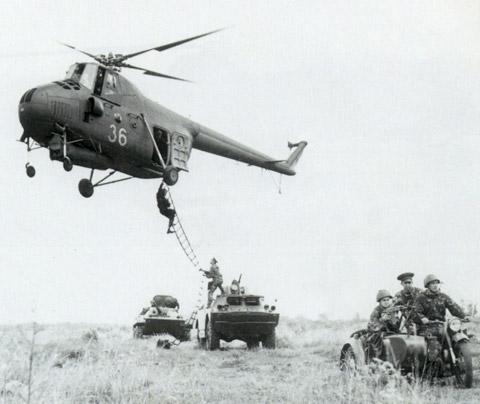 Unión - Mil Mi-4 helicóptero de transporte  ( Unión Soviética ) Mi-4_9