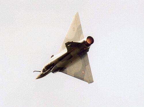Photos d'avions militaires en plein vol - Page 12 Mirage_2000-5