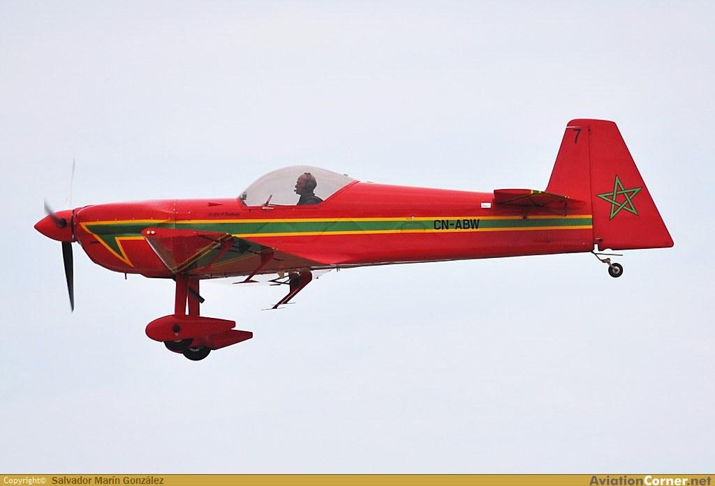 la patrouille acrobatique : la marche verte - Page 8 Avc_00324255