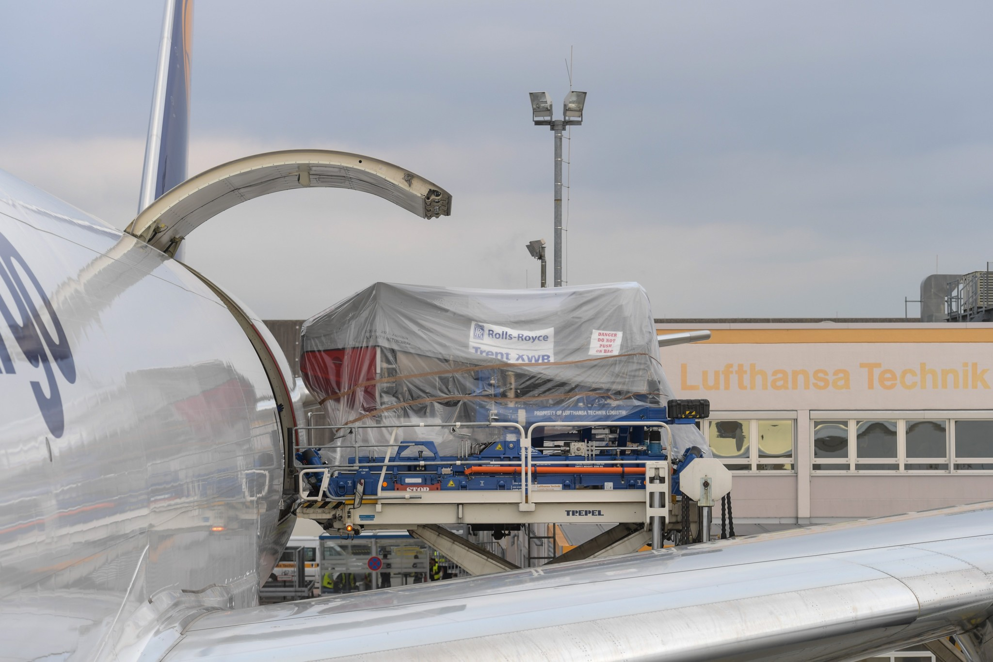 Lufthansa ! LH ! DLH ! - Page 10 Engine_test_Copyright_Lufthansa_Technik_AG-3rd-Oct