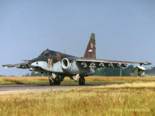 طائرة الدعم الجوي القريب .. Sukhoi Su-25 Sukhoi%20Su-25%20Frogfoot%20-%20Su-25%20