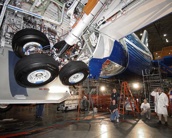 Trem de pouso, colosso de rodas 787gearswing_sm
