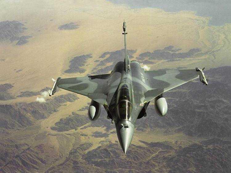 أحسن 10 طائرات بالعالم  Dassault-rafale-