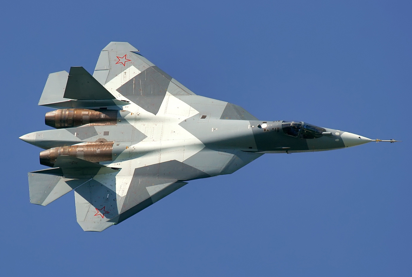 اميرة السماء الروسية القادمة ... سوخوي باك فا ((sukhoi t-50 pak fa)) PAK_FA_Sukhoi_T-50