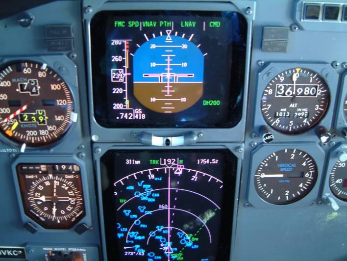Boeing 737-300 - Página 4 Fltinsts_panel