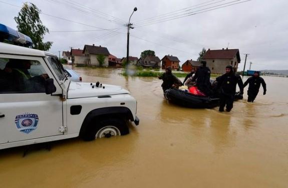 Ostale slike  - Page 7 Srbija-poplave-575x377