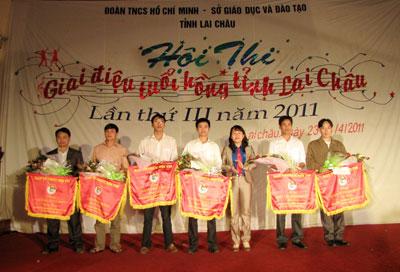 giai điệu tuổi hồng tỉnh lai châu năm 2011 3(73)