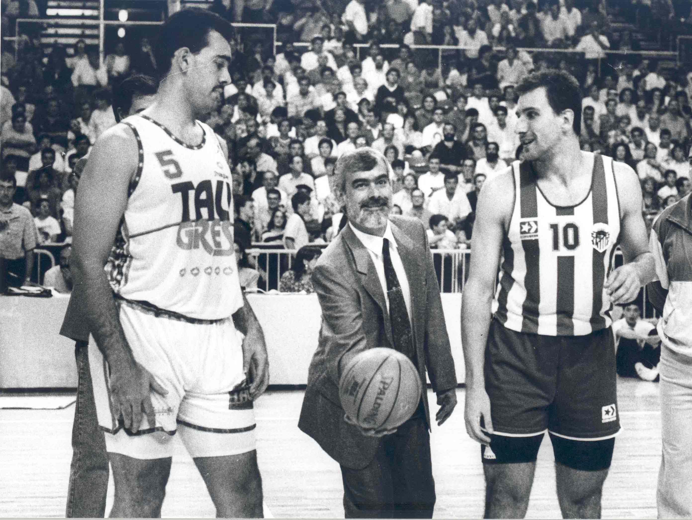 El Buesa Arena cumple años (15/09/1990) Atha-dip-pp-7127