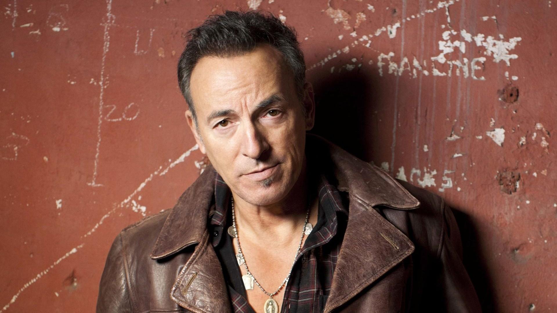 Bruce Springsteen - Page 2 Bruce_springsteen