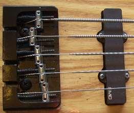 Dúvida sobre cordas... 5string_jazzbass_bridgeshot1