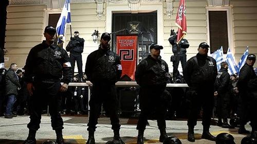 Grèce : des habitants s'opposent à la charité raciste d'Aube dorée Arton3170-fd236