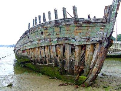 Appel à la nostalgie des épaves de bateaux Etrave