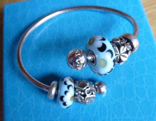 My birthday presents with a wonderful new bracelet Geb0210