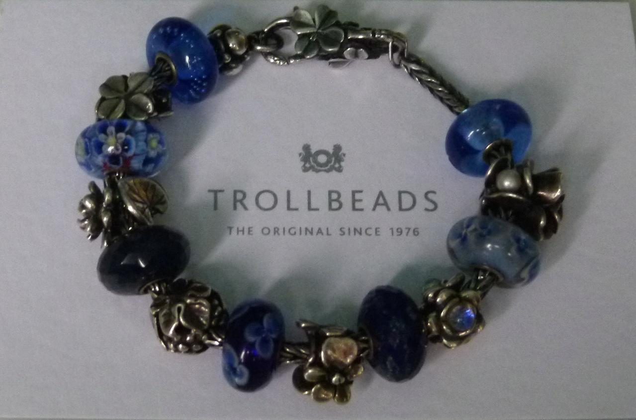 Show Your 40th Clover Bracelets - Page 2 P1020720