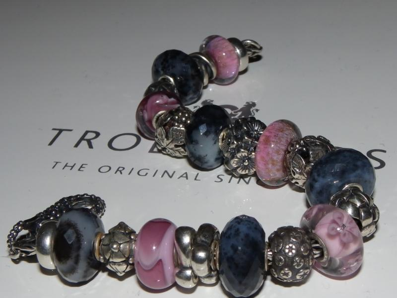 Agate Dendritic with Light Pink Rosa_b11