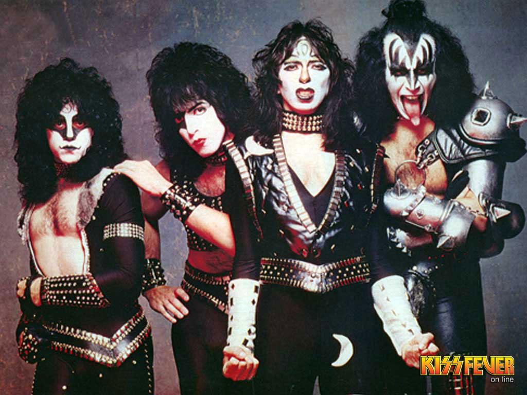 1983 KISS-kiss-guitarists-23448774-1024-768