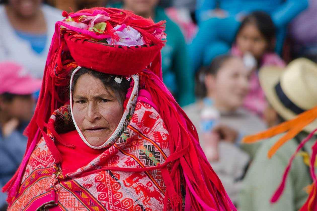 Ljudi iz raznih krajeva svijeta - Page 7 Narodi-sveta-narodna-nosnja-752-before-after