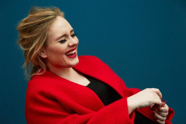 Imágenes >> Photoshoots, Revistas, Conciertos... - Página 4 Adele-portrait-03-600x400