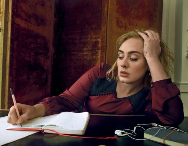 Imágenes >> Photoshoots, Revistas, Conciertos... - Página 4 Adele-vogue-cover-march-2016-06-600x467