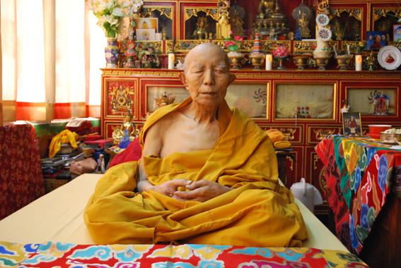 Tenga Rinpoché a quitté son corps ce matin 30 mars The_precious_kudung