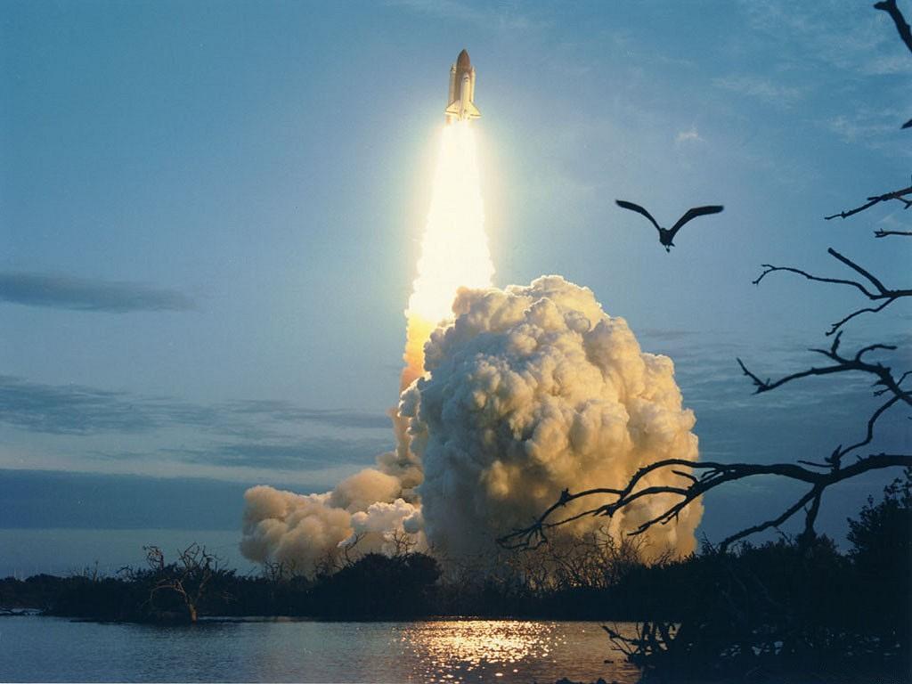 சர்வதேச விண்வெளி கூடம் மற்றும் விண்வெளி HD தர போட்டோக்கள் உங்களுக்காக Launchb10