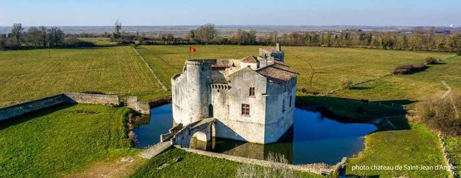 Château de Martine 12/05 trouvé par Ajonc Chateau-st-jean-d-angle_940