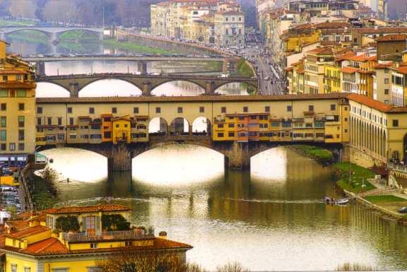 Arhitektura koja spaja ljude - Mostovi Ponte-Vecchio-in-Florence-Italy_Panoramic-setting_1485