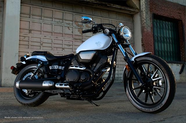 Yamaha tenta chegar na HD Yamaha-star-bolt-01