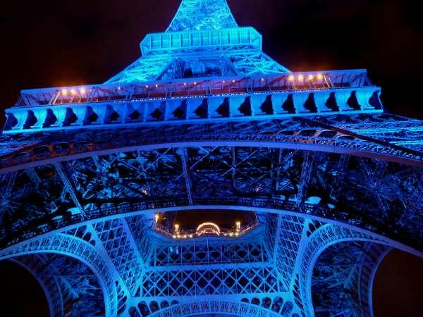 LE PROJET BLUE BEAM...OUFFF!!! Tour_eiffel_europe_6s