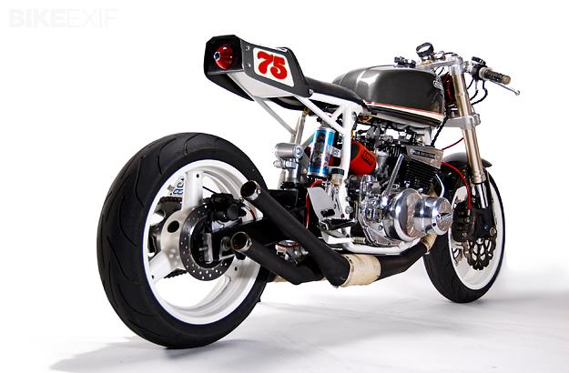 Racer, Oldies, naked ... TOPIC n°2 Suzuki-gt550-3