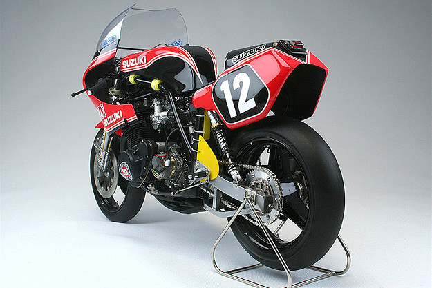 YOSHIMURA GS1000R COOLEY/CROSBY Scale-model-motorcycle-5