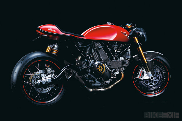 Ach, ils sont forts ces allemands... Ducati-sport-1000-2