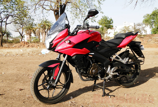 Test Bajaj AS 150 Pulsar-as150-center-stand
