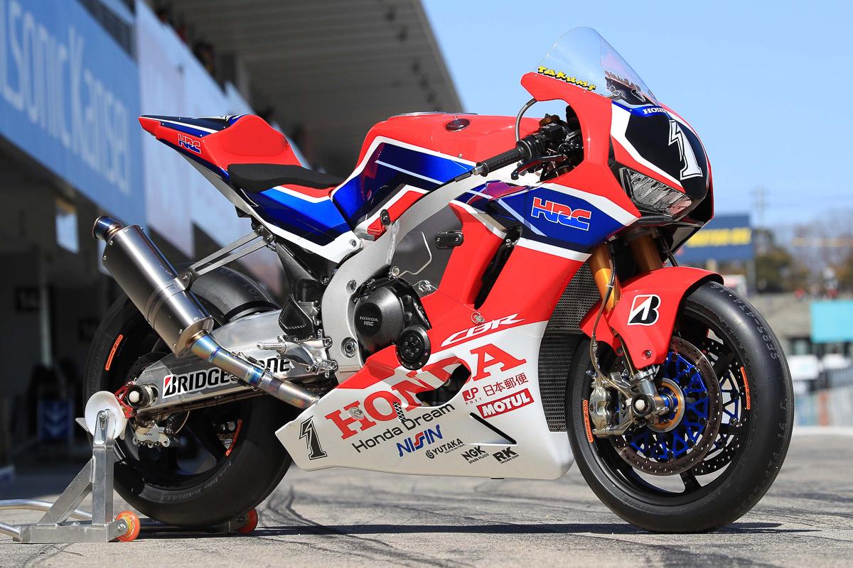 CBR 1000 2017  - Page 16 2018-Honda-CBR1000RRW-Suzuka-8Hours-Endurance-HRC_1