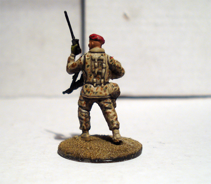 Force on Force - Deutscher Fallschirmjäger-Testminiatur Jykm-6d-115f
