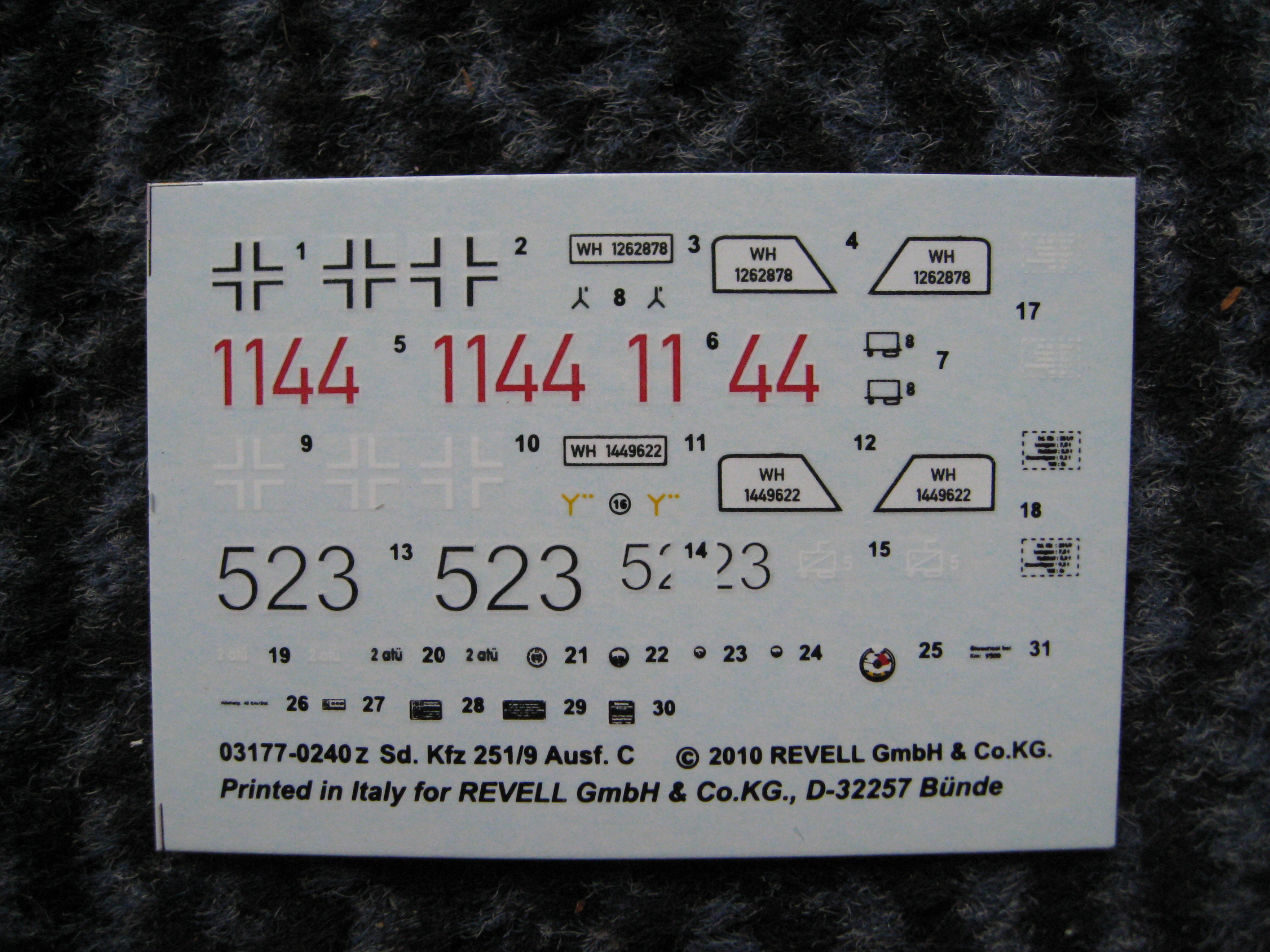 Sd. Kfz. 251/9 Revell Ka90-1m-72b3