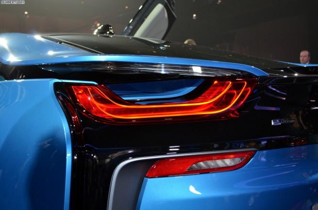 2013 - [BMW] i8 [i12] - Page 13 BMW-i8-Hybrid-eDrive-Weltpremiere-Protonic-Blue-IAA-2013-LIVE-04-655x433