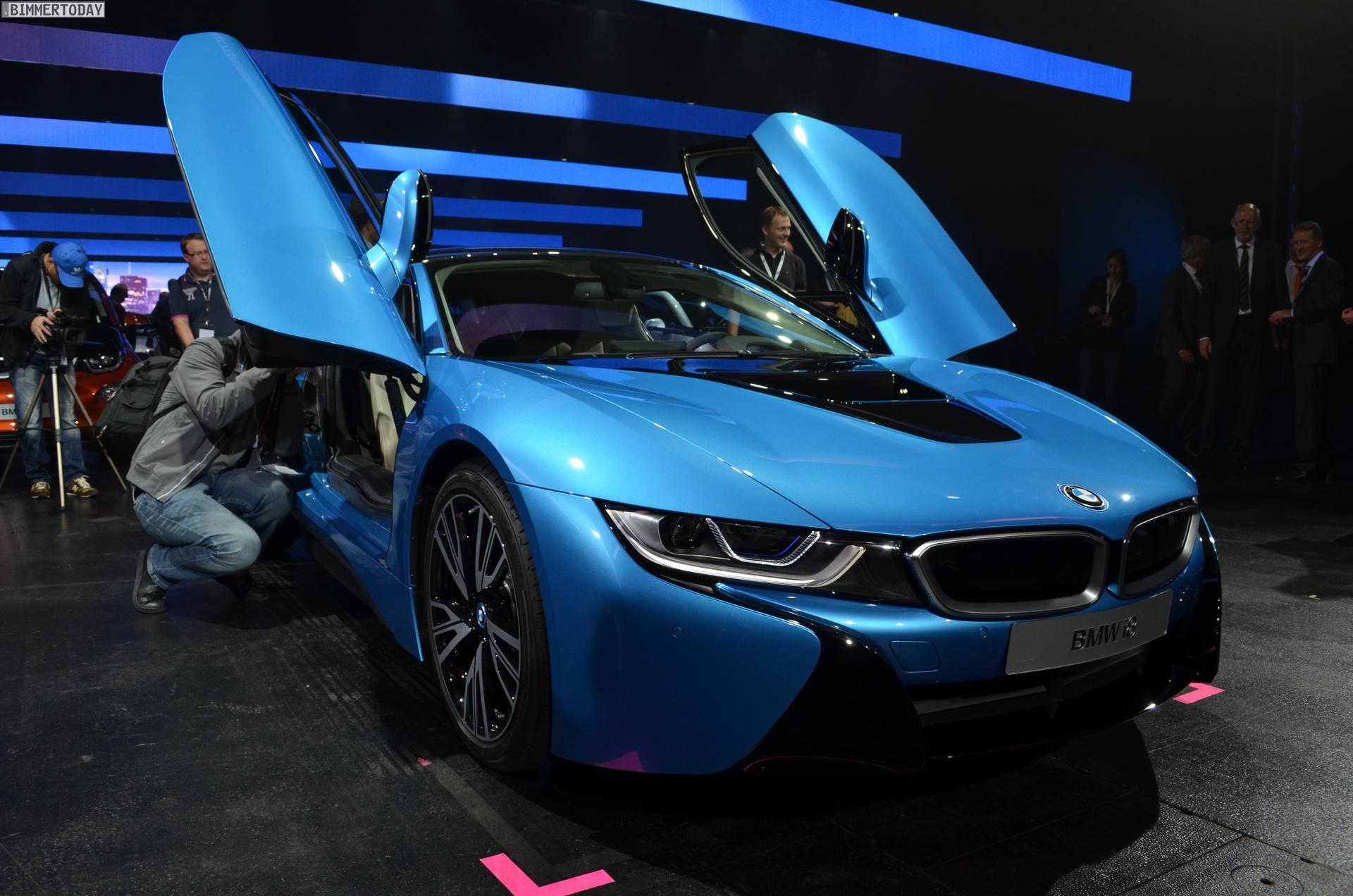 2013 - [BMW] i8 [i12] - Page 13 BMW-i8-Hybrid-eDrive-Weltpremiere-Protonic-Blue-IAA-2013-LIVE-05