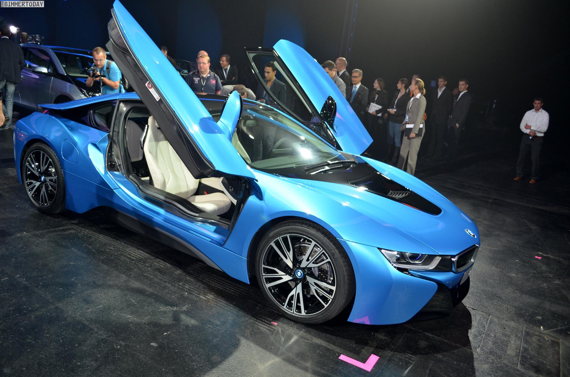 2013 - [BMW] i8 [i12] - Page 13 BMW-i8-Hybrid-eDrive-Weltpremiere-Protonic-Blue-IAA-2013-LIVE-08